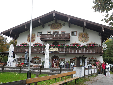 This historical Bavarian farmhouse in Ruhpolding is the home of the Winbeutel Gr