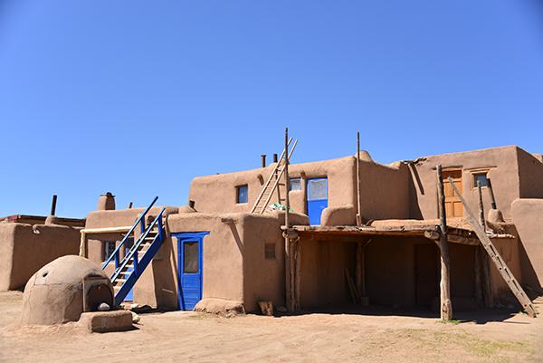 Pueblo ladders