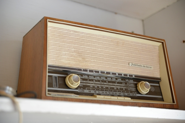 The ole radio - Telefunken.. brings back childhood memories.
