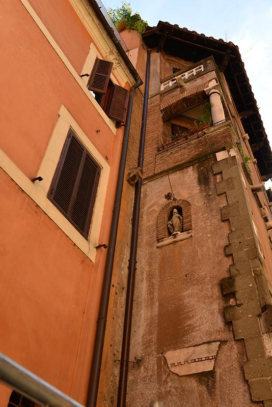 Trastevere architecture