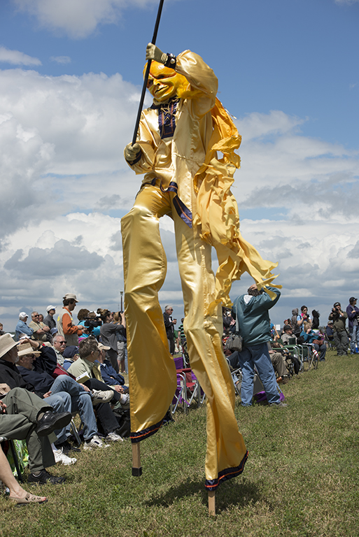 From stilt walkers...