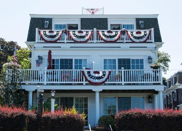 008_Patriotic home