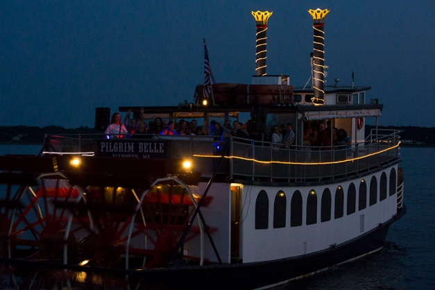 The Pilgrim Belle passed us with full speed projecting party noise and  live music.