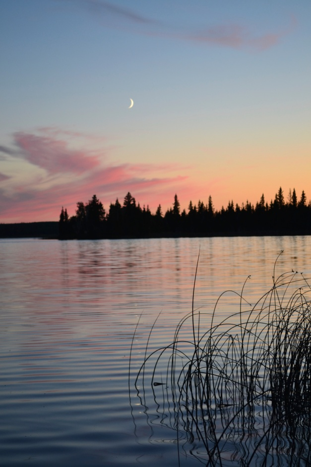 Lovering Lake - SK Sunset Nikon D610, Sigma 24-70mm lens@28mm, f/6.3, ISO 400, 1/15s, tripod.